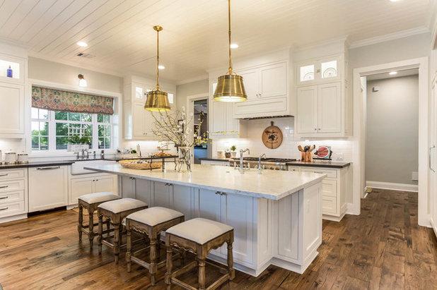 Farmhouse Kitchen by Morning Star Builders LTD