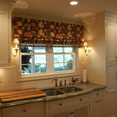 traditional kitchen by Jessica Clock
