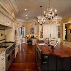 Traditional Kitchen by Laura Dalzell