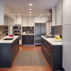 Modern Kitchen by Airoom Architects-Builders-Remodelers