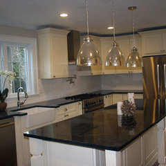 traditional kitchen by CliqStudios Cabinets