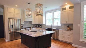 Elegant Pendant Kitchen in Black & White