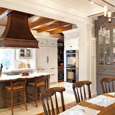 Traditional Kitchen by Carolina Kitchens of Charleston, Inc.