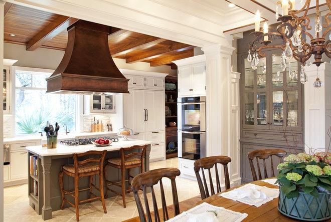 Traditional Kitchen by Carolina Kitchens of Charleston, Inc.