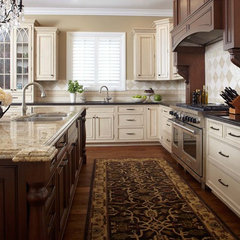 traditional kitchen by Douglah Designs