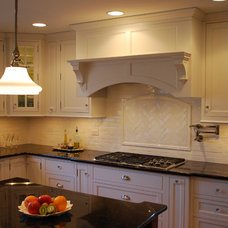 Traditional Kitchen by Sauer Kitchens | Chicagoland Custom Cabinetry