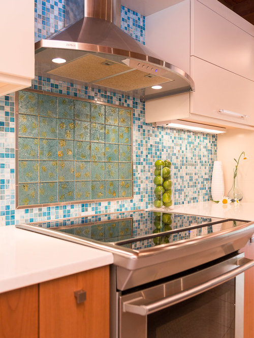 3,474 Tropical Kitchen Design Ideas & Remodel Pictures | Houzz