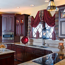 Traditional Kitchen by Decorating Den Interiors