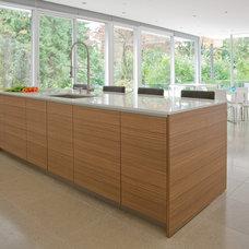 Modern Kitchen by Inform Interiors