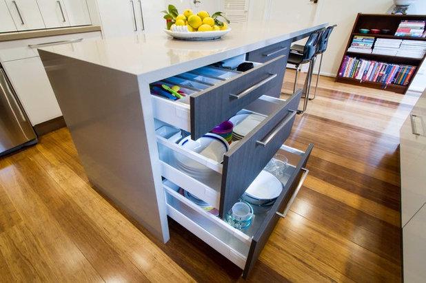 Modern Kitchen by The Kitchen Design Centre