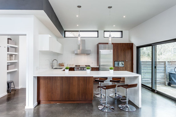 Contemporary Kitchen by Modern Staging | Spaces