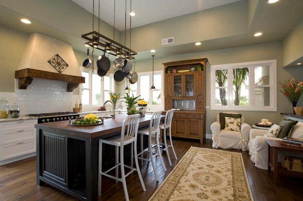 Traditional Kitchen by Hamilton-Gray Design, Inc.