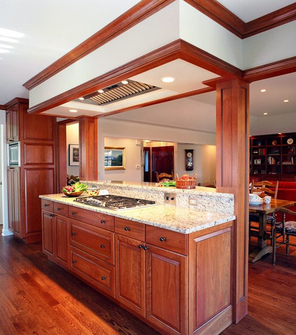 Traditional Kitchen by Bud Dietrich, AIA