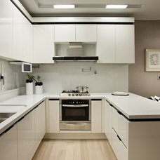Contemporary  by Mont Granite, Inc.
