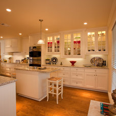 Traditional Kitchen by Hill Bros. Custom Homes & Renovations
