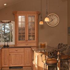 Traditional Kitchen by Creative Kitchen & Bath