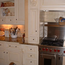 Traditional Kitchen by Calder Creek Cabinetry & Design