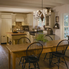 Traditional Kitchen by Houses & Barns by John Libby