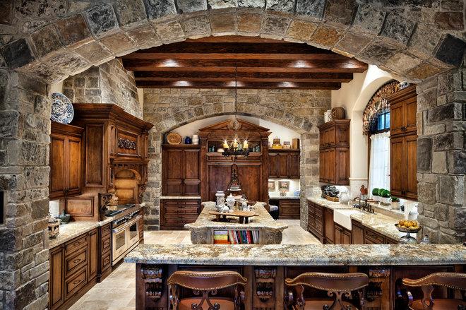 Traditional Kitchen by JAUREGUI Architecture Interiors Construction