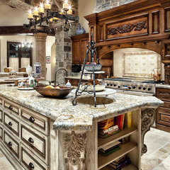 traditional kitchen by JAUREGUI Architecture Interiors Construction
