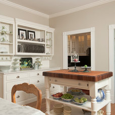 Traditional Kitchen by Jessica Leventry