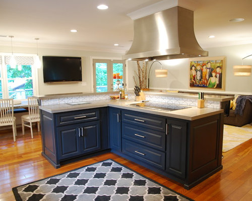 Contemporary open plan kitchen design ideas renovations photos with zinc worktops - Savvy small apartment kitchen design layout for perfect kitchen with great efficiency ...
