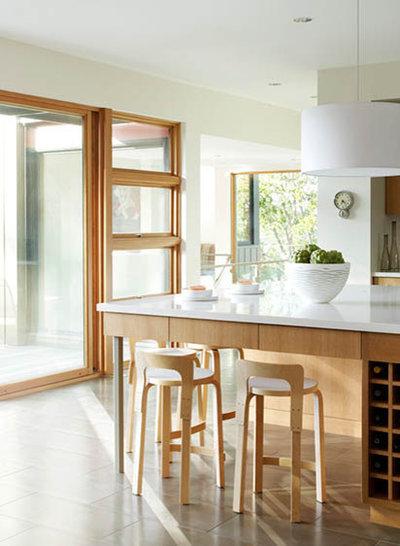 Modern Kitchen entry stair