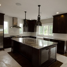 Traditional Kitchen by Vivian Robins Design