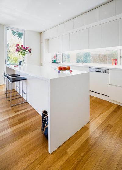 Contemporary Kitchen by Chalk Studio