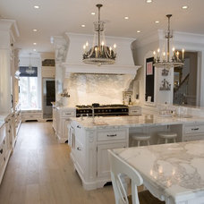 Traditional Kitchen by Top Notch Cabinets Inc