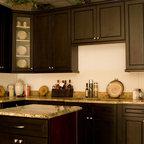 Heritage White Kitchen Display - Traditional - Kitchen ...