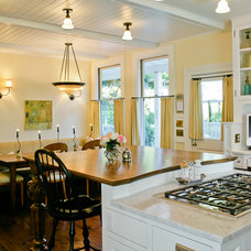 Traditional Kitchen by Pete Moffat Construction