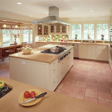 Traditional Kitchen by Sheldon Pennoyer Architects