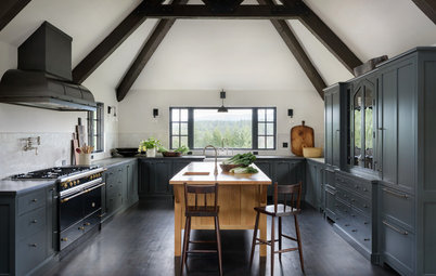 3 Beautiful Black Kitchens