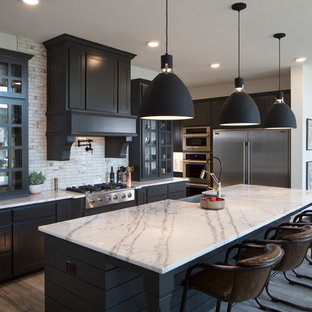 Transitional kitchen inspiration - Ex≤ of a transitional l-shaped medium tone wood floor and & 75 Most Popular Transitional Kitchen Design Ideas for 2019 - Stylish ...