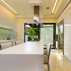 Modern Kitchen by Yaniv Schwartz - Photographer