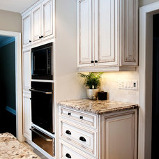 Traditional Kitchen by Simply Trends Interiors Inc