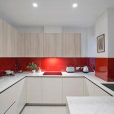 Contemporary Kitchen by NISSEN RICHARDS studio