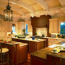 Traditional Kitchen by Society Hill Kitchens & Custom Interiors