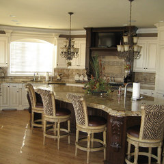 traditional kitchen Euro-Tech Cabinetry & Remodeling
