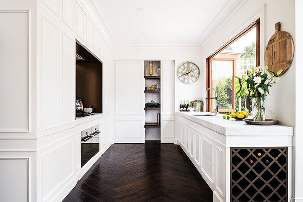 American Traditional Kitchen by Smith & Smith Kitchens