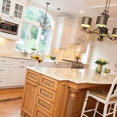 Traditional Kitchen by Meredith Ericksen