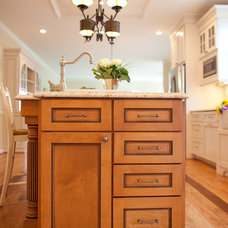 Traditional Kitchen by Meredith Ericksen