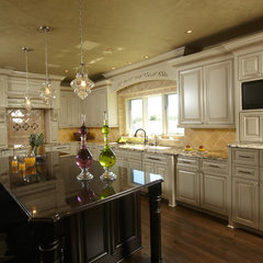 traditional kitchen by Jaque Bethke for PURE Design Environments Inc.