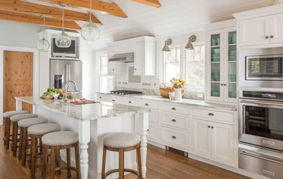 Kitchen of the Week: A Cape Cod Gets a Beach-Cottage Reboot