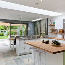 Contemporary Kitchen by 50 Degrees North Architects