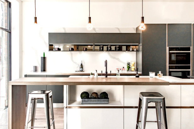 Modern Kitchen by The Used Kitchen Company