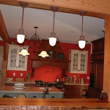 Traditional Kitchen by Keener Kitchen Manufacturing