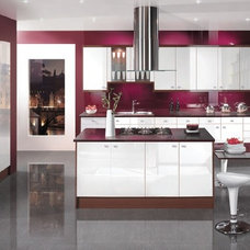 Contemporary Kitchen by I  B J