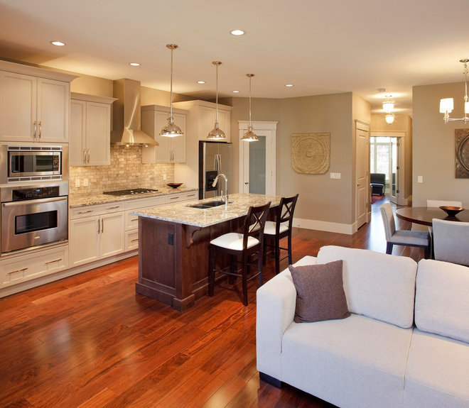 Traditional Kitchen by Stephens Fine Homes Ltd